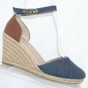 Me Too Blakely blue canvas ankle strap wedges 6M